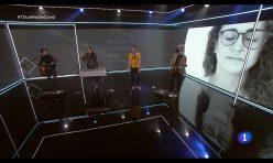 Vetusta Morla rememoran el espíritu de Los Abrazos Prohibidos con su interpretación en directo en TVE
